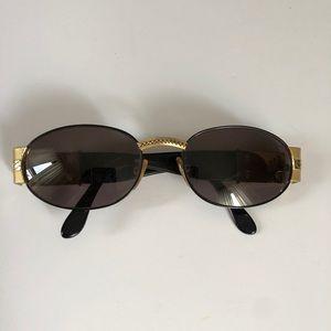 Vintage black gold crest oval frames sunglasses